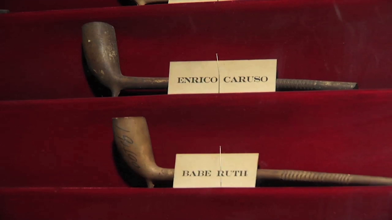 Clay pipes of opera star Enrico Caruso and baseball legend Babe Ruth at Keens Steakhouse.