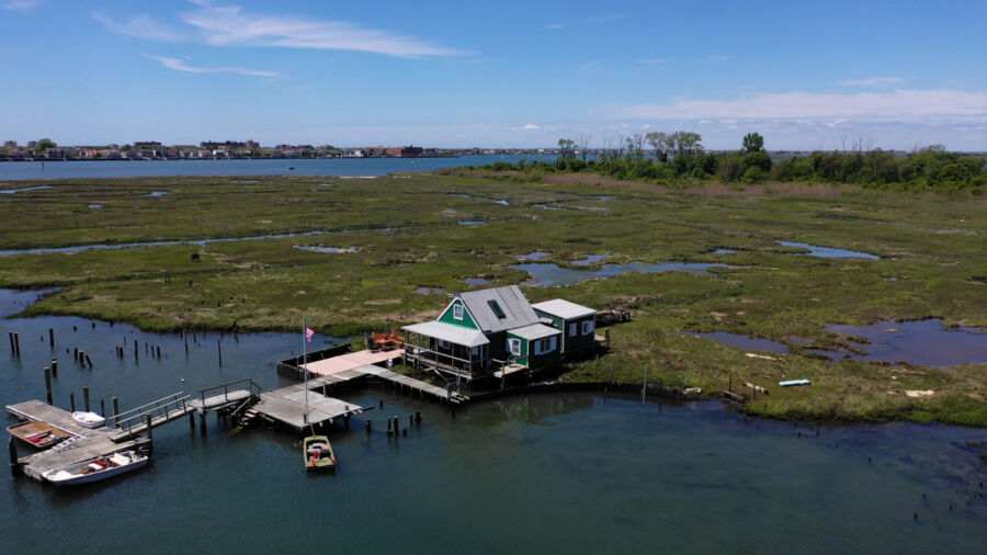 Look Inside the Bay Houses of Long Island